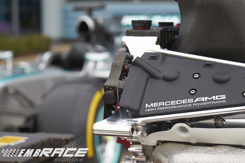 Mercedes klaagt werknemer aan wegens data diefstal for Embrace by mercedes benz