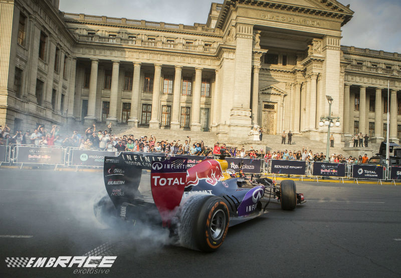 Lima loopt massaal uit voor Red Bull show run
